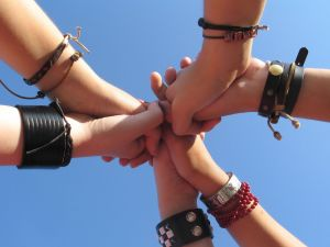 Volim te kao prijatelja, psst slika govori više od hiljadu reči - Page 3 1070365_friends_forever1