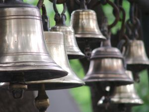 What does it mean to dream of bells?